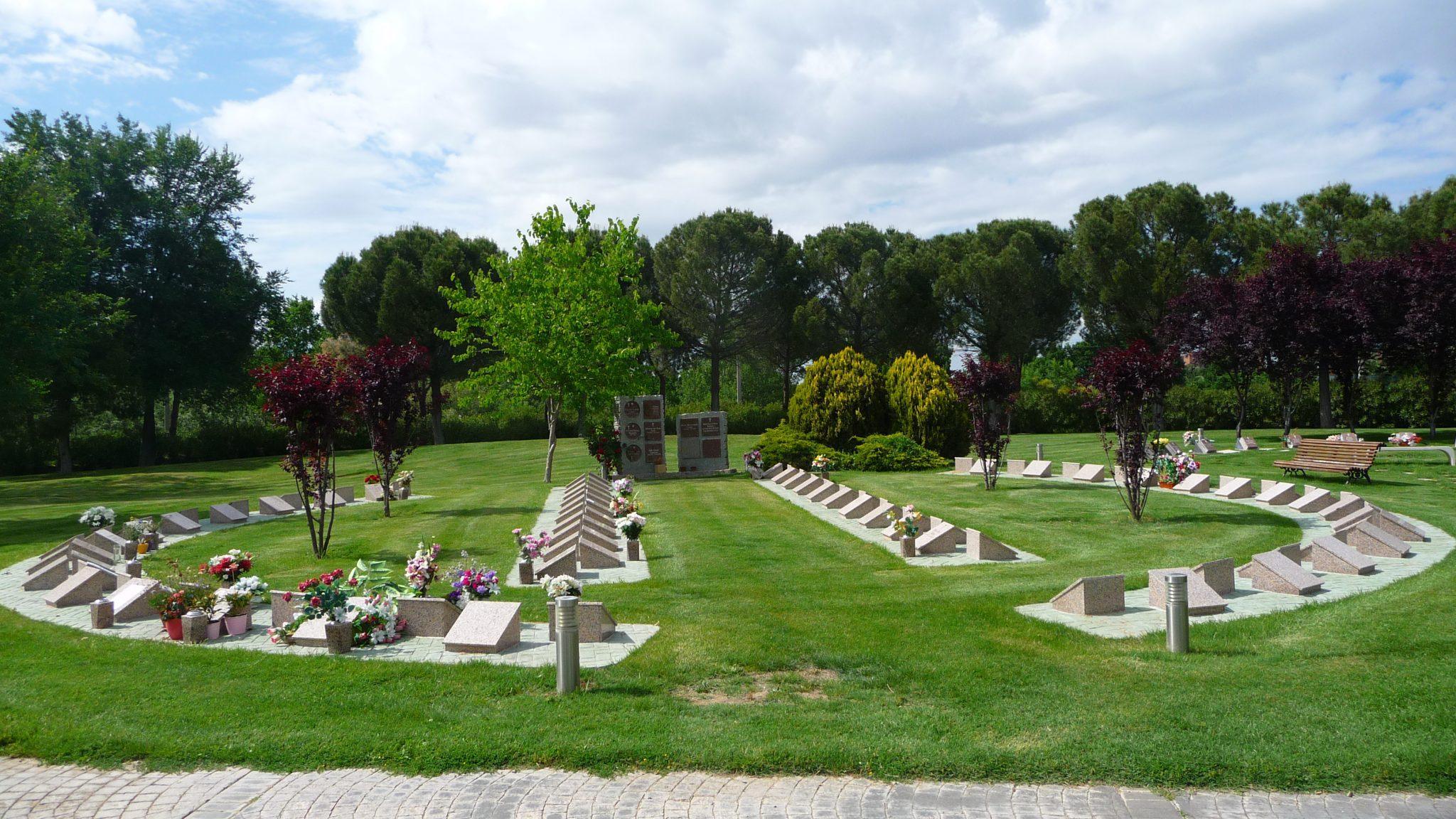 Cementerio jard n alcal henares cementerios vivos for Cementerio jardin del oeste