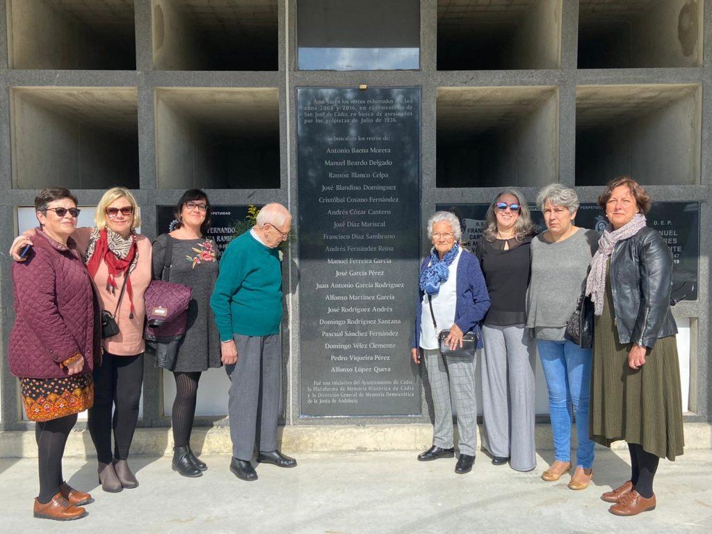 Familia-exhumado-victimadel franquismo